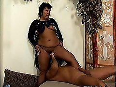 Thick mature mom loves riding big cock part5
