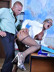 Bigtitted personal assistant in elegant grey pantyhose nailed in the office