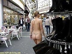 Hot girl show her ass in public