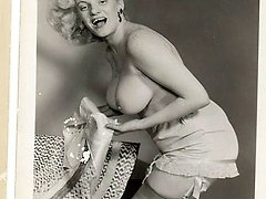 Vintage blonde naked women