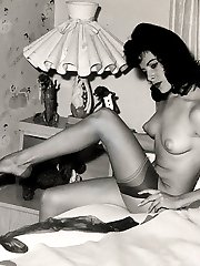 Black-White Retro Gallery 46