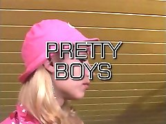 Hot tranny in pink hat sucks and fucks at dinning room table