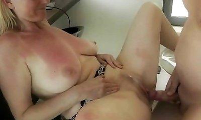 lesbian smoking babes