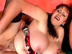 Horny hot chick gushes out streams of pussy juice after getting fucked