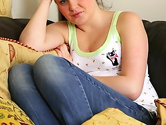 Thick cute teen Chantel flashes her shaved coochie.