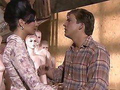 KimKim De - Scharfer Sex mit geilen Puppen (Scene 7)