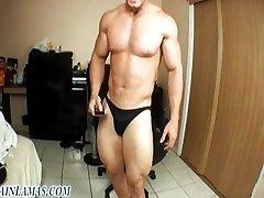 Muscle hot webcam