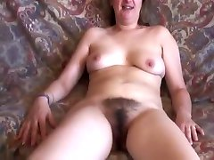 Hairy french amateur MILF fucking
