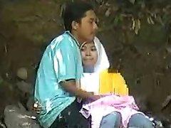 malay-skodeng awek tudung hijab putih romen