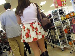 Outdoor upskirts that hunter spied