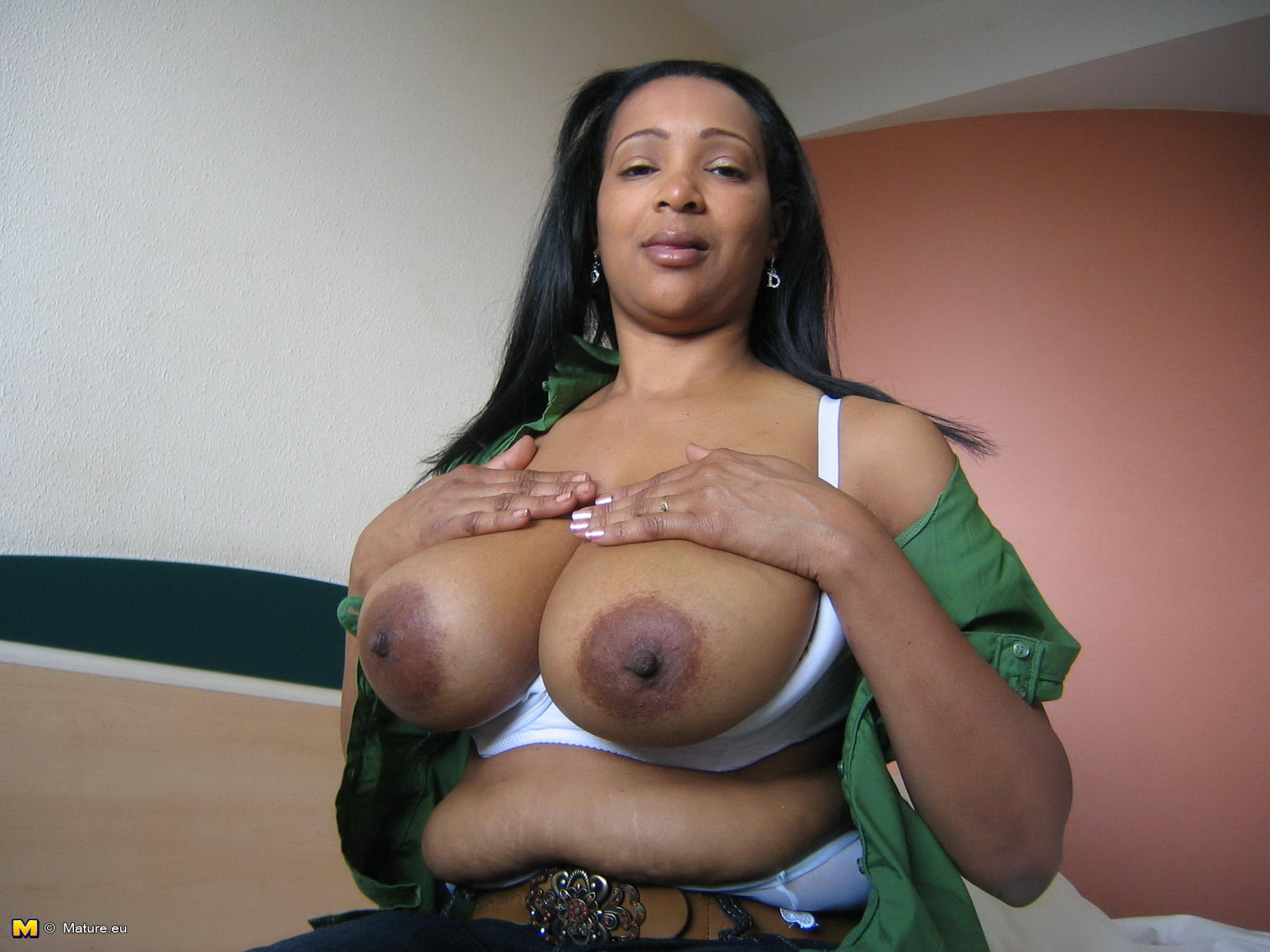 Mature ebony big tits gallery Kinky Mature Camila Loves Showing Her Black Tits