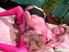 Classic porno blondes in lesbian sex
