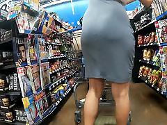 Thin skirt no panties Pt.2