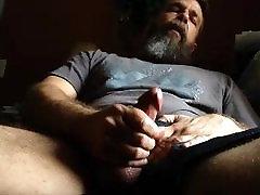 Str8 daddy bear stroke on couch