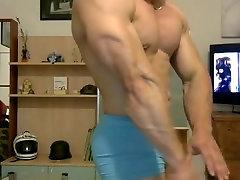 Str8 muscle men flexing