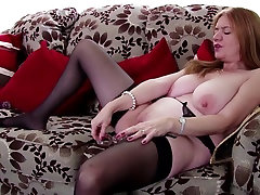 Old mature mom with very hungry old cunt