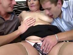 Booty mature mom fucked hard by two young hommies