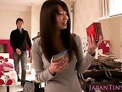 Busty petite Yumeno Aika showing oral skills