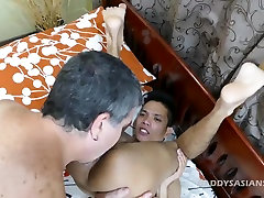 not daddy Mike Bareback Fucks Asian Boy Arjo