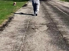 Bbw milf big booty jiggiling in sweats 3