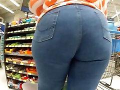 Big booty milf uploaded right