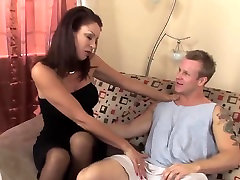 Sexy mature latina in stockings fucks a runner TOP MATURE