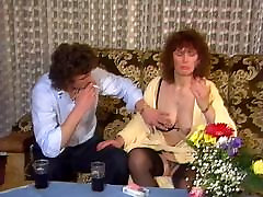 Juicy mature has fun with young lover