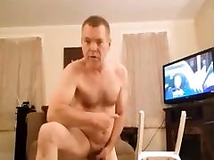 nakedguy1965 loves to wear panties and panty hose