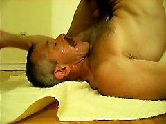 Moustache daddy cumming on his own face