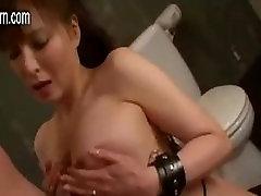 צעיר, אישה יפנית לא מרוצה עם בעלה, אז היא בוגדת בו.mp4