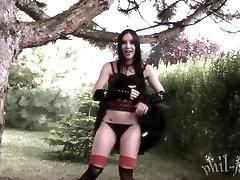 DA - Goth Schoolgirl