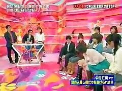 feet tv show toe spread