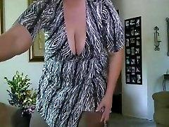 bbw milf striptease from DesireBBWs.com
