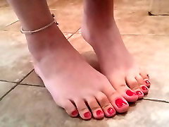 Sexy Red Toes - Lexi Goode