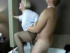 Mature have sex in bathtub with clothes on