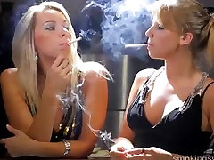 smoking girlfindes