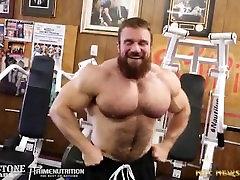 PRO Bodybuilder Seth Feroce Hairy Muscle