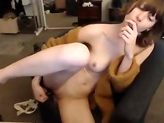 HOT CAM GIRL LOVES TOUCHING HERSELF