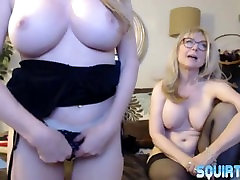 Mature busty porn squirter Amber Michaels lesbo scissor sex