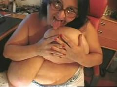 Bbw mature sandra rubbing one out