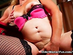 Grandmas old and hairy pussy needs to get off