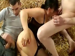 A mature to do fucked in the farm