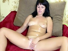 BLACK-HAIRED GIRL PUSSY PULSES WITH ORGASM