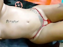 BEAUTIFUL WOMAN SHOWS HER BRUTAL BODY IS VERY ASS HOT