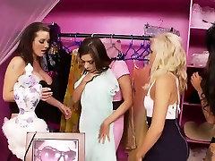 Hot lesbian orgy with ravishing starlets