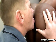 Impressively whorable ebony nympho gets her holes licked by white buddy
