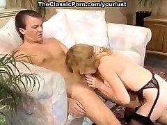 Vintage porn actress enjoys licking and sucking one juicy pole