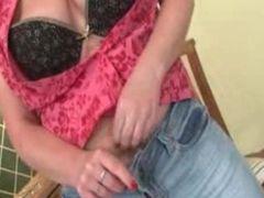 Nasty mature slut gets horny taking
