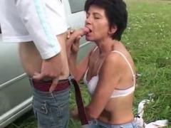 Mature outdoor fucking