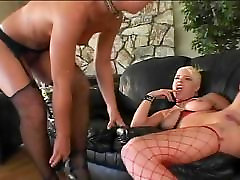 Extreme gagging and squirting
